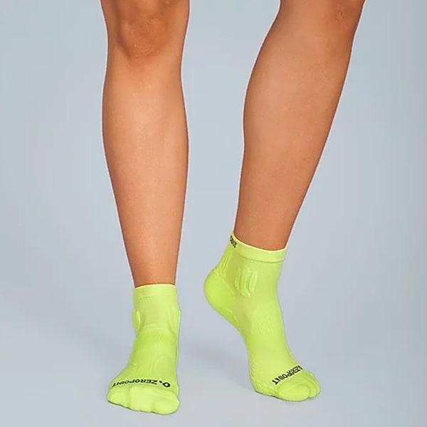 Дамски чорапи до глезените