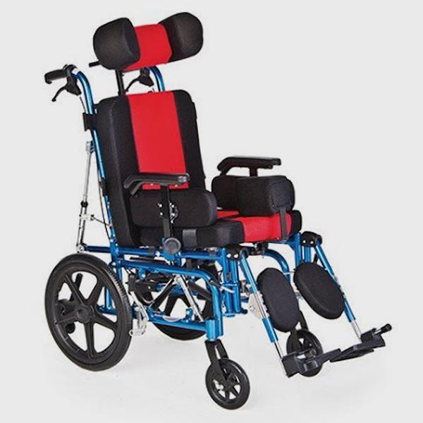 Инвалидна количка при церебрална парализа