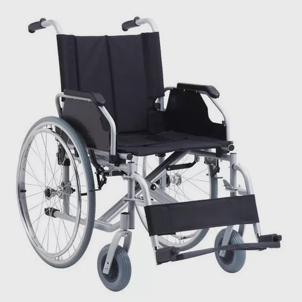 прахово боядисана стоманена рамка повдигащ се подлакътник свалящи се степенки предни колела: 20х3,8см задни колела: 61см пълна височина: 93 см пълна ширина: 74 см височина на седалката: 48 см дълбочина на седалката: 45 см ширина на седалката: 56 см дълбочина на седалката вкл. стъпенките: 114 см максимално тегло на пациента: 125 кг тегло: 23 кг