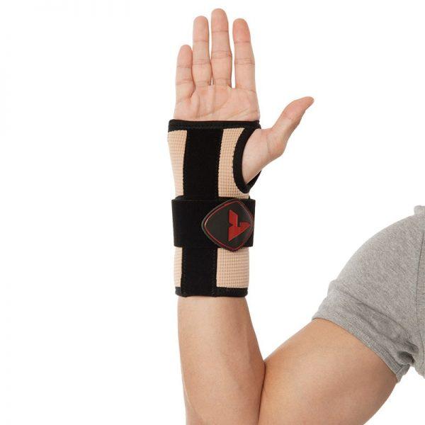Памучна ортеза за китка с ригидна опора, допълнителна еластична пристягаща лента