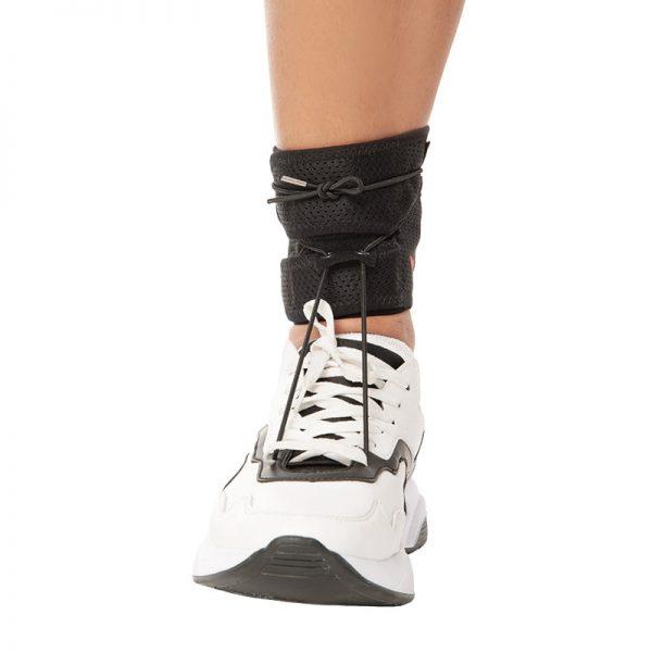 Ортеза за паднал крак, удобна за носене с обувка